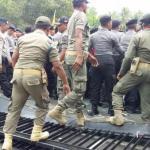 Demo Mahasiswa di Jember Ricuh, Sejumlah Aktivis Terluka