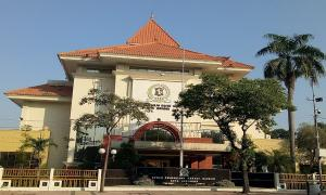 DPRD Kota Surabaya Minta Pemkot Siapkan Relokasi untuk PKL Cokelat