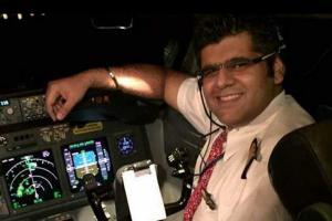 Rombongan Keluarga Pilot Lion JT 610 Datangi RS Polri