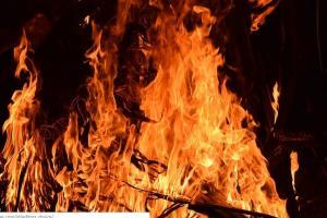 Kapal Gerbang Samudra Berpenumpang Ratusan Orang Terbakar