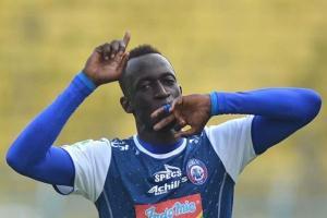 Kontrak Konate Diperpanjang Usai Jebol Gawang Sriwijaya FC