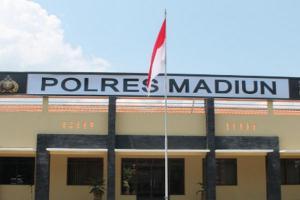 "Polisi Gaungkan ""Brem Segar"" di Madiun"