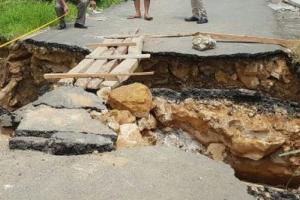 Hujan Lumpuhkan Akses Transportasi di Pamekasan Utara