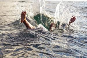 Banjir di Surabaya Barat Seret Seorang Anak