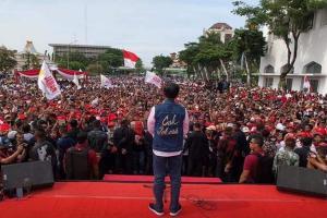 Jokowi Diberi Gelar CAK dan JANCUK di Kota Pahlawan Surabaya