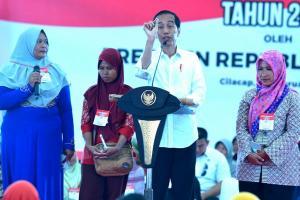 Jokowi Janji Kembali Cairkan Bansos April 2019