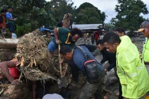 Banjir di Papua Seret Satu Keluarga Asal Madura