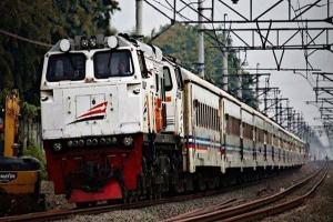 H-1 Pencoblosan, Penumpang KA di Surabaya Meningkat