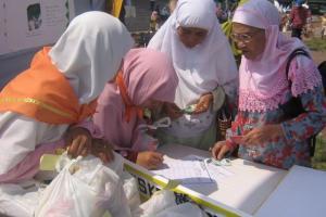 Baznas Pamekasan Sebar Ribuan Paket Sembako untuk Yatim