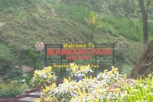 Libur Lebaran, Pengunjung Memadati Taman Srambang Ngawi