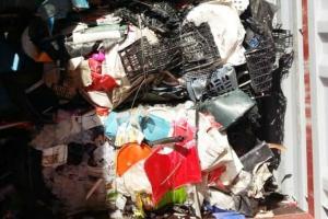 5 Kontainer Sampah AS 'Ditendang' via Tanjung Perak