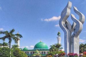 Geliat Syariat Islam di Bumi Gerbang Salam