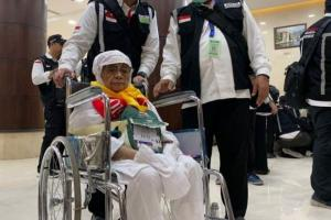 Jamaah Haji Asal Magetan Mendarat di Juanda