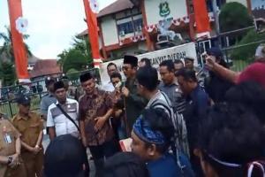 Demo, Mahasiswa Kangean Tuntut Pemerataan Infrastruktur