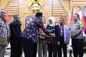 Pendeta Papua Minta Maaf ke Masyarakat Jatim