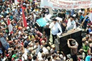 Tolak Relokasi, Ribuan Warga Pasuruan Demo di Kantor Bupati