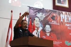 Armudji Serahkan Formulir Cawali Surabaya