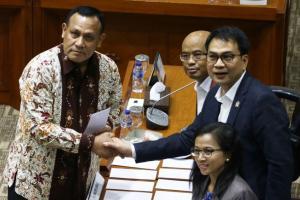 DPR Putuskan Firli Ketua Baru KPK