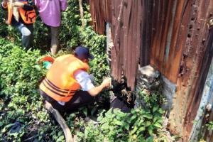 Pabrik Ini Terciduk Buang Limbah ke Kali Surabaya