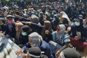 Ribuan Mahasiswa Madura Kembali Kepung Kantor DPRD