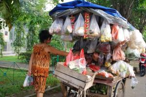 Tukang Sayur 'Buru' Para Ibu Hamil di Banyuwangi
