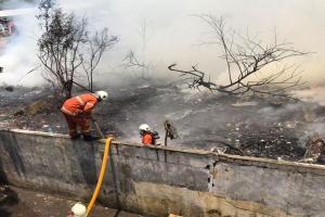 Kebakaran Hanguskan Belasan Rumah di Rungkut