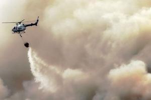 Mendung Hambat 'Water Bombing' Gunung Arjuno