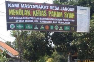 Banner Tolak Syiah Terbentang di Probolinggo