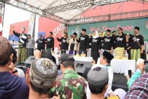 Jalan Sehat Sarungan di Kediri dalam Rangkaian Hari Santri 2019