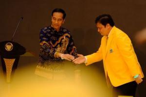 Sinyal Jokowi Tak Restui Airlangga Jadi Ketum Golkar