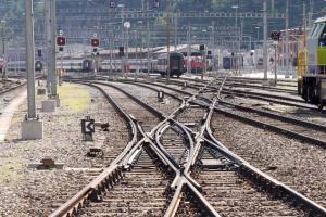 Rel Ganda Jombang-Cirebon Dipastikan Selesai 2020