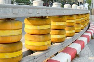 Jelang Nataru, Jalur Sarangan-Tawangmangu Dipasang 'Rolling Barrier'