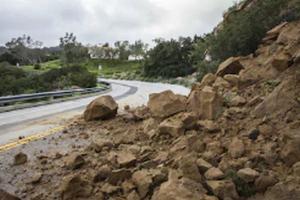 Dinas PU Imbau Waspadai Jalan Rawan Longsor di Jatim