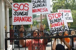 Kalah Gugatan, Hakim Perintahkan Gubernur Jatim Minta Maaf
