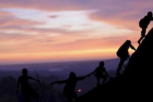 Seribuan Pendaki Padati Gunung Arjuno Malam Ini