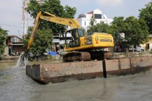 Antisipasi Banjir, Pemkot Surabaya Normalisasi Sungai Kalimas