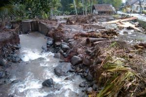 Kawasan Ijen Bondowoso Dilanda Banjir Bandang