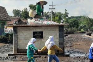 Jalan Bondowoso ke Puncak Pasca Banjir Tetap Dibuka