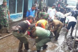 Jaringan Listrik di Bondowoso Dipastikan Normal Kembali Pasca Banjir