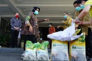 Jelang PSBB, Pemkot Surabaya Diminta Distribusikan Bantuan Sembako