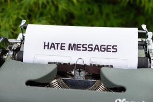 Kritik boleh tetapi jangan mengandung kebencian