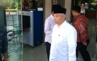 Kiai Asep Bantah Rommy, Akui Haris Tersangka KPK Muridnya