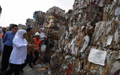 Pemprov Mediasi Pengusaha Tahu Pakai Sampah Plastik