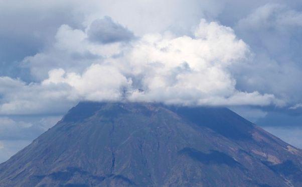 Batuk, Abu Vulkanik Bromo ke Arah Pasuruan