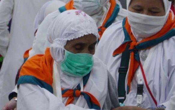 Pasutri Calon Haji Putuskan Pulang ke Madura
