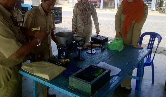 Pedagang di Lumajang Wajib Tera Ulang Timbangan
