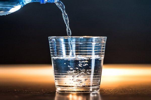 Pentingnya Mencukupi Asupan Air Mineral