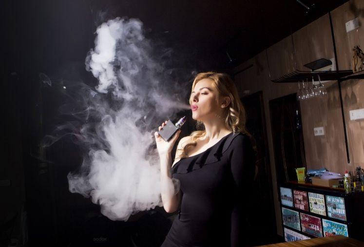 Vape vs Rokok Tembakau, Lebih Bahaya Mana?