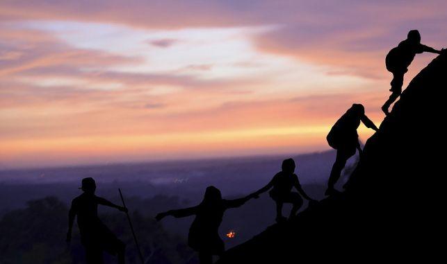 7 Pendaki Asing Terjebak Kebakaran Gunung Raung